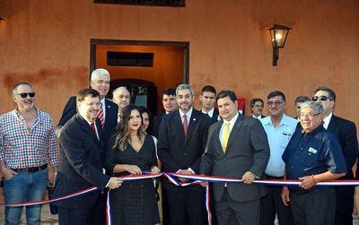 El MOPC inauguró ayer la restaurada estación del ferrocarril en Luque