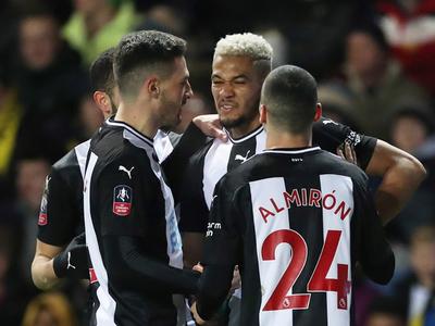 Newcastle y Liverpool avanzan de ronda en la Copa de Inglaterra
