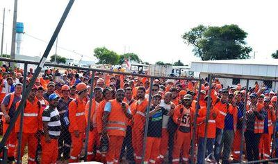 Obreros de la Ruta Bioceánica pararon ayer en reclamo de acuerdos laborales