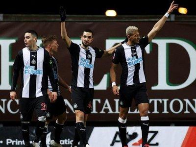 Almirón sigue en FA Cup