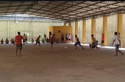 Organizan torneo de fútbol en cárcel de masacre