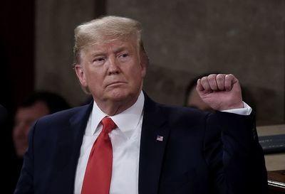 Trump se apresta a recibir absolución en juicio político que no le hizo mella