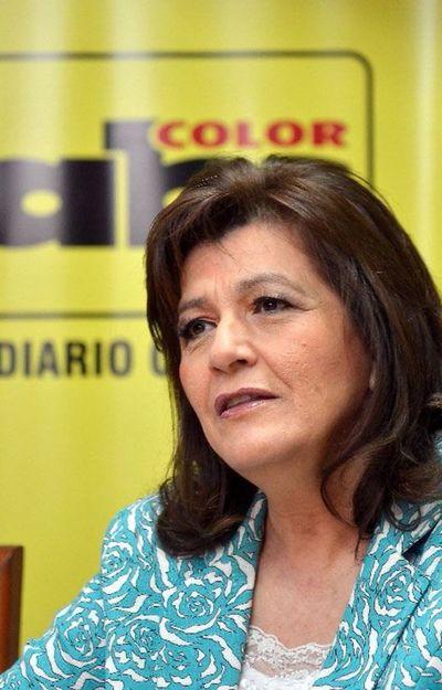 """Financiamiento Político: """"Estoy por el control absoluto del dinero sucio"""", dice Blanca Ovelar"""