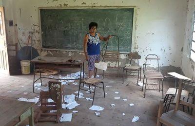 Caaguazú: Comenzarán clases en aulas a punto de caer
