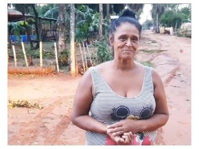 """Ña Morena """"batalló"""" y  desfilará en una disco"""