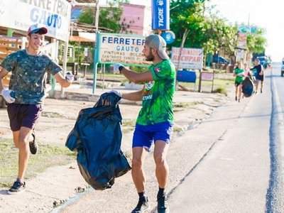 Asunción se suma al reto de correr y juntar basura