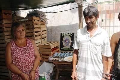 Mujer distribuía drogas desde una frutería del Abasto •