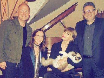 Taylor Swift deja Sony y firma en exclusiva con Universal Music
