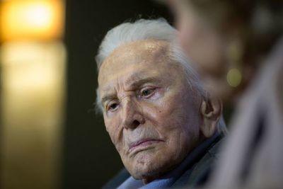 Hollywood llora la pérdida Kirk Douglas, último icono de su edad dorada