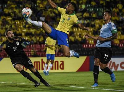 Brasil y Uruguay siguen sin ganar en el cuadrangular final