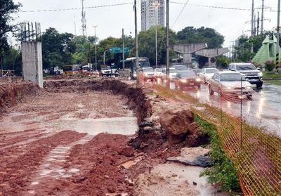 Habilitan calles alternativas por obras