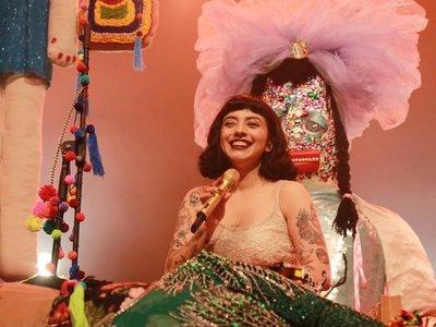 Mon Laferte deslumbró en Paraguay con su voz y belleza
