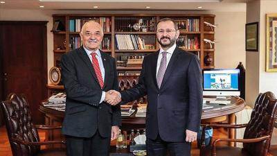 Embajador de Paraguay en Turquía visita la Agencia de Noticias Anadolu