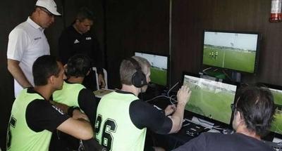 HOY / Cambian al árbitro del VAR a horas del Guaraní vs. Olimpia
