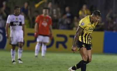 HOY / Guaraní golea, pero Olimpia acaricia los puntos