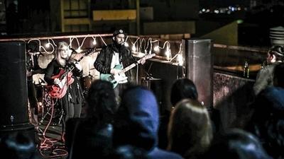 HOY / La banda paraguaya Castell presenta tres nuevas canciones a través de Planea Música