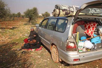 Los desplazados de Idlib, abandonados a su suerte ante la ofensiva del régimen sirio