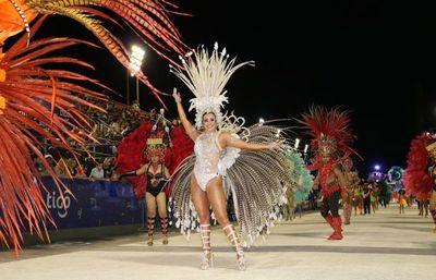 Unas 9000 personas disfrutaron de la tercera ronda del carnaval encarnaceno