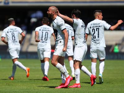 González se destaca con un doblete en la victoria de Pumas