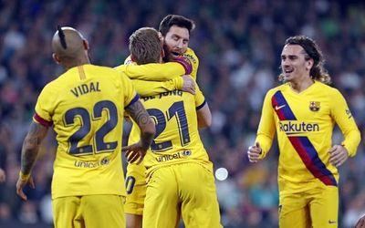 Barcelona supera al Betis con sufrimiento