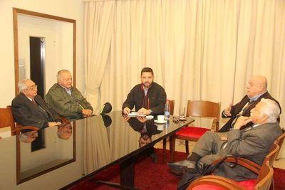 Abdo Benítez se reunirá con los ex mandatarios y ex titulares de la ANR