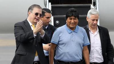 Evo Morales abandonó la Argentina y viajó a Cuba
