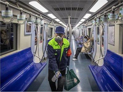 China regresa a trabajar mientras sigue su lucha contra el coronavirus