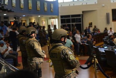 Congreso salvadoreño estudiará hoy pedido del Presidente