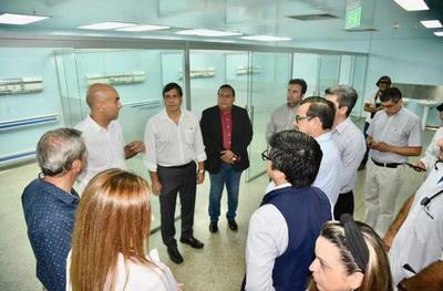 """Médicos critican a """"planillero de la UNE"""""""