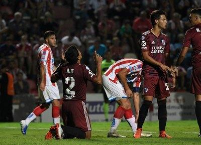 Robert Rojas, nuevamente elegido como la figura de River Plate