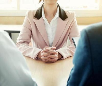 Señales de acoso durante una entrevista de trabajo