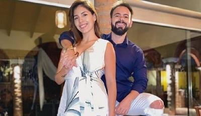 El doctor David Mussi y Silvita Romero celebran 5 años de amor
