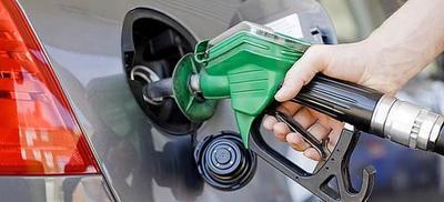 Empresarios de combustibles anuncian suba de precio de combustibles