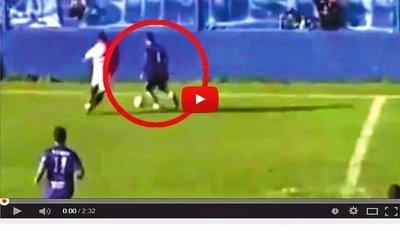 Futbolista muere tras chocar contra una pared (VÍDEO)