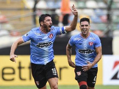 El River uruguayo vence al Grau con goles de Olivera y Neris