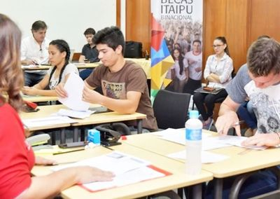 Habilitan una plataforma online para becas de Itaipú