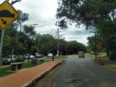 Itaipú se desentiende de recolección de basura de áreas habitacionales