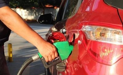 HOY / Distribuidoras privadas, molestas con Petropar por no aumentar sus precios