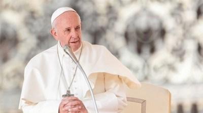 Escasez de sacerdotes: Papa Francisco rechaza ordenar a hombres casados