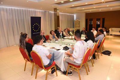 Embajadores de la Unión Europea de visita en el Este
