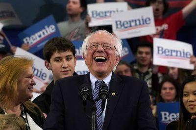 Sanders y Buttigieg toman ventaja en carrera demócrata que no da respiro