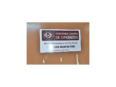 Desalojan oficina de Justo Zacarías en CDE