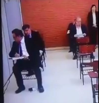'Nenecho' Rodríguez niega que su padre haya estado copiando durante examen de conocimiento