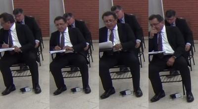 """Postulantes a la Corte en extraña """"conversación"""" durante examen"""