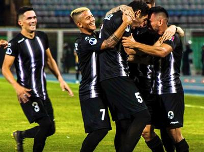 Zamora pasa a liderar la serie tras vencer a Plaza Colonia