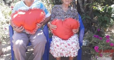 Abuelitos festejan ¡70 años de casados!