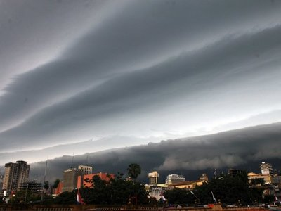 Meteorología alerta sobre tormentas y vientos de hasta 100 km/h para el sábado