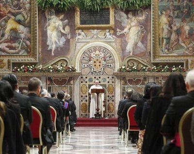 """El Papa pide """"autocontrol"""" y """"diálogo"""" a Irán y EE UU"""