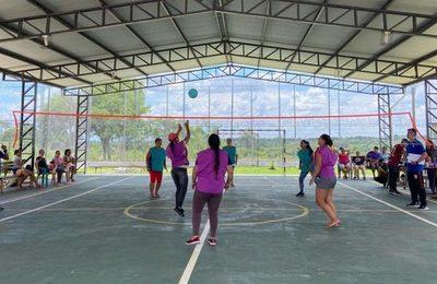 Torneo de Vóley de mujeres en el Centro Penitenciario de Coronel Oviedo