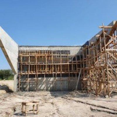 El puente más largo del Ñeembucú registra un avance de casi el 20%